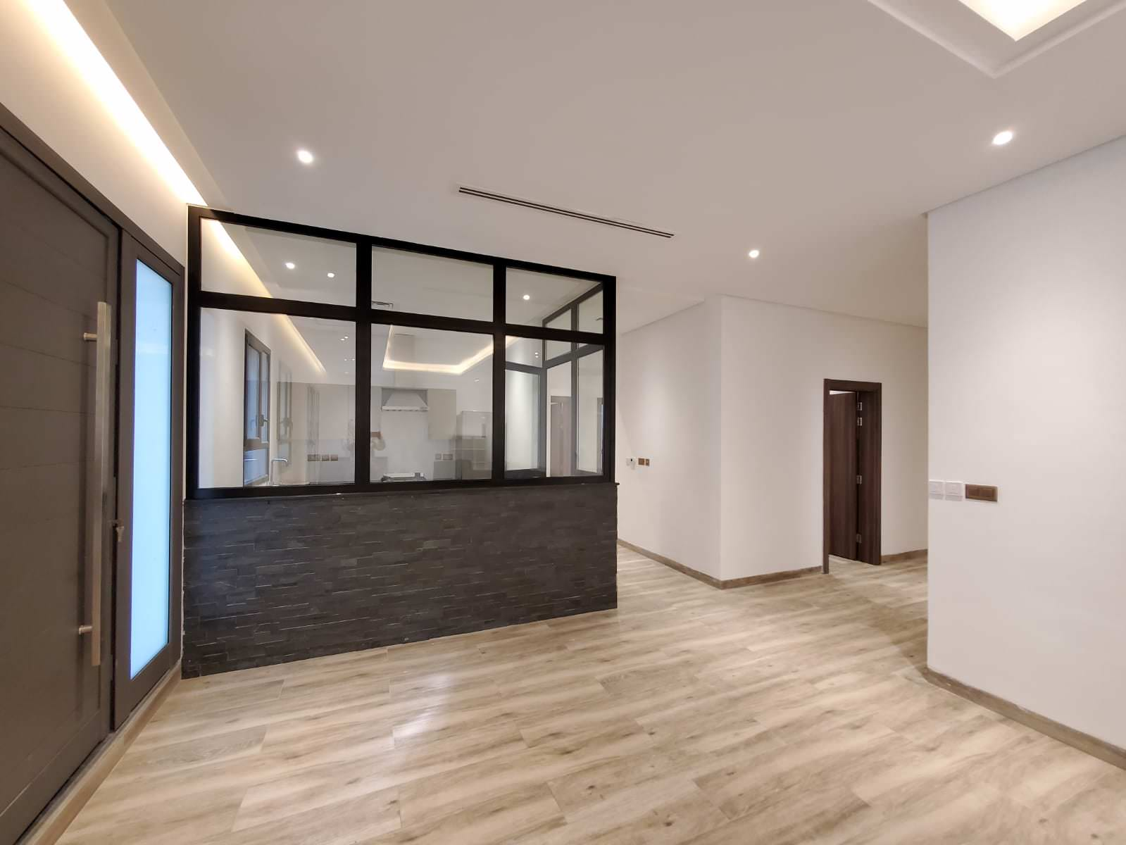 Salwa – new, spacious, furnished three bedroom apartments w/pool