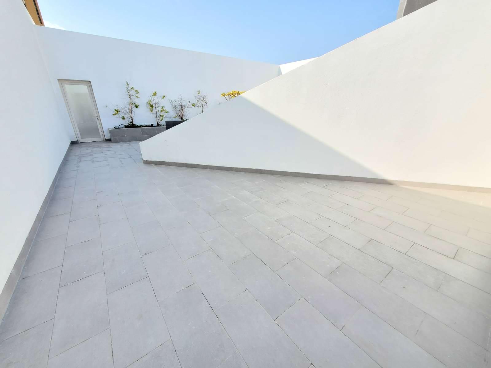 Rawda, lovely, unfurnished three bedroom floor w/terrace