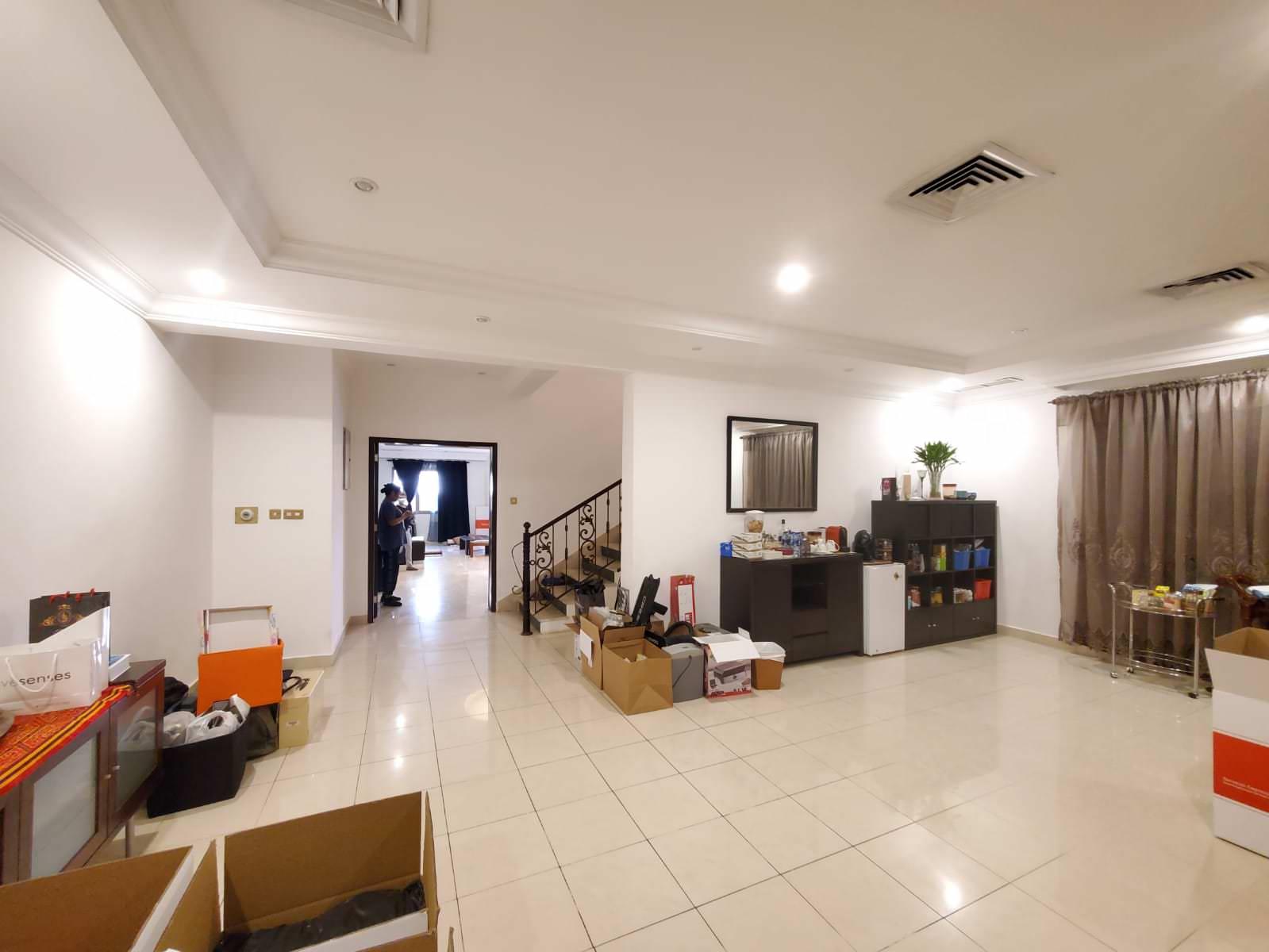Mangaf – unfurnished, large, six bedroom villa